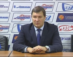 Press-conference, Vitalii Chernii and V'yacheslav Bobrov participating after the game with Azovmash team